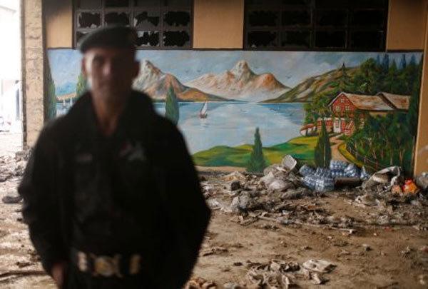 Cận cảnh chốn ăn chơi của phiến quân IS