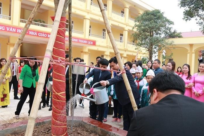 trồng cây năm mới,trồng cây xanh,năm Đinh Dậu