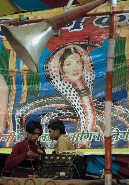 Chùm ảnh lột tả dân Ấn 'cuồng' diễn viên phim