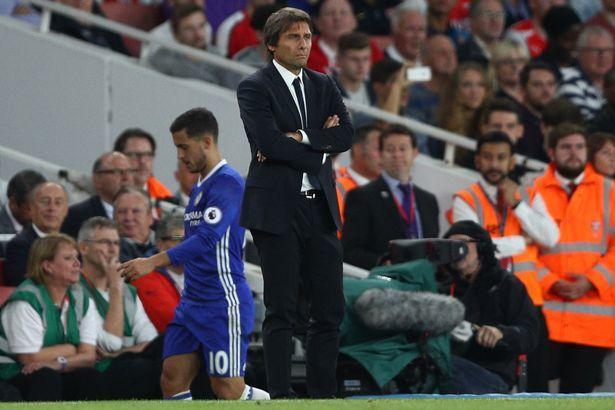 Conte bị ám ảnh từ trận thua tan nát Arsenal