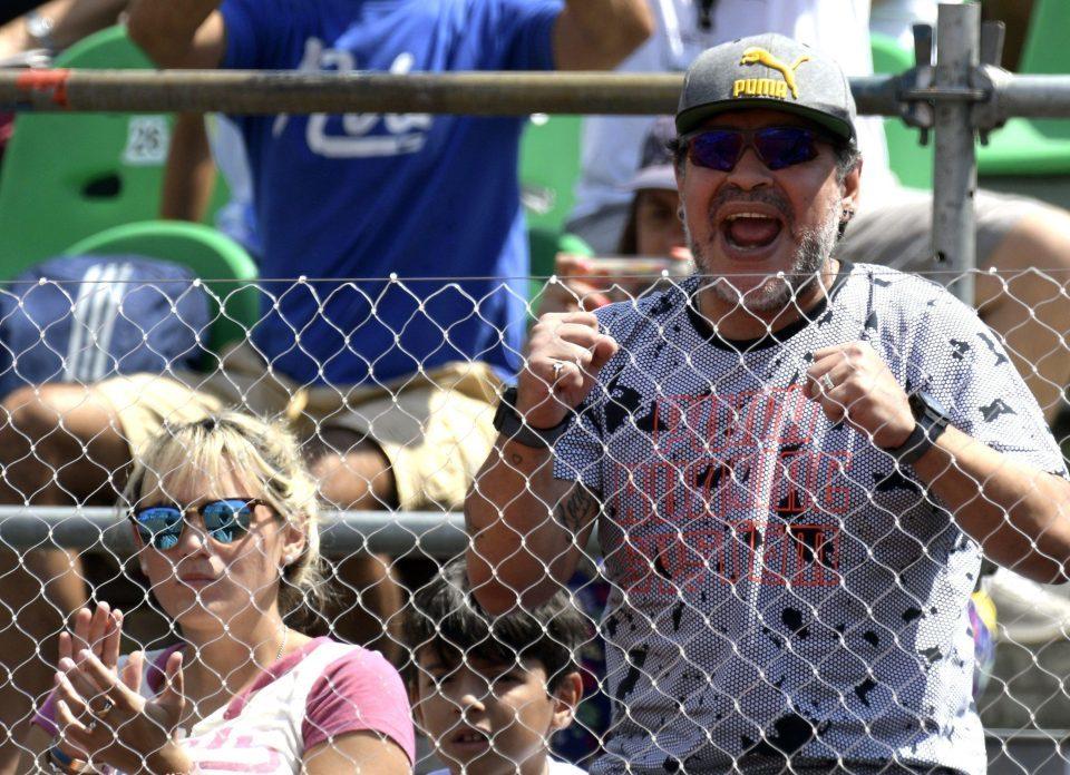 Diego Maradona, bồ trẻ 9x, quần vợt