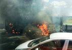 Xe khách bốc cháy dữ dội trên cao tốc Trung Lương
