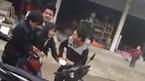 Thiếu nữ gào khóc thảm thiết khi bị bắt vợ giữa ban ngày