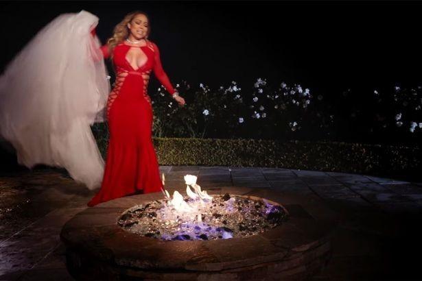 Ca sĩ đốt váy cưới 5,7 tỷ vì bị hôn phu tỷ phú huỷ hôn