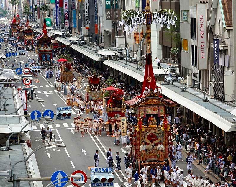 Nhìn người Nhật tổ chức lễ hội mà thèm