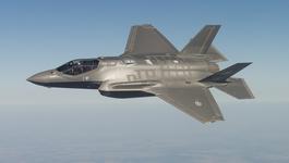Trump lên tiếng, chiến cơ F-35 lập tức hạ giá