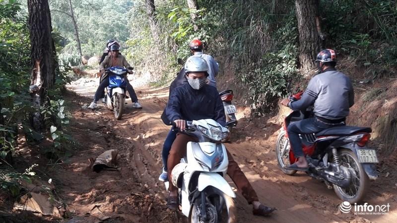 xe ôm, chùa Hương, Hà Tĩnh, leo núi, du khách, du lịch
