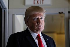 'Vũ khí' Trump dùng để xử các bang chống lệnh