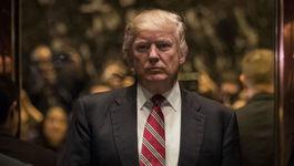 Trump tiếp tục chĩa mũi dùi vào các thẩm phán