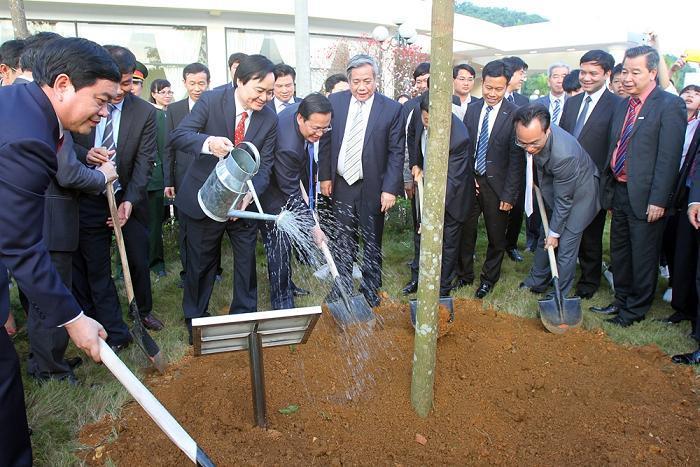 Bộ trưởng Giáo dục: 'Mỗi thầy trò trồng và chăm ít nhất một cây xanh'