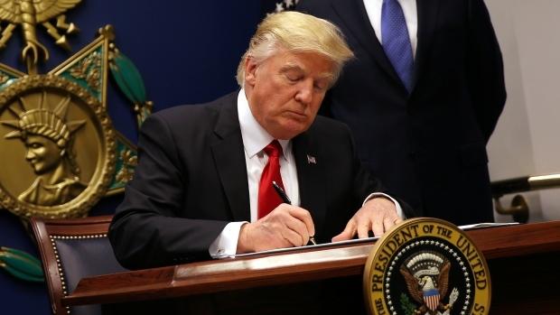 Bộ Tư pháp Mỹ bảo vệ lệnh cấm nhập cảnh của Trump