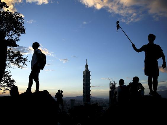 Việt Nam nằm trong 17 quốc gia, vùng lãnh thổ đem lại cuộc sống hạnh phúc nhất - ảnh 7
