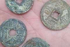 Đào móng nhà, phát hiện 10kg tiền cổ