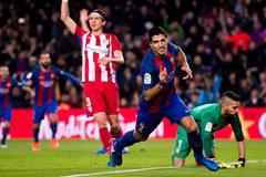 Suarez ghi bàn và ăn thẻ đỏ, Barca vào chung kết