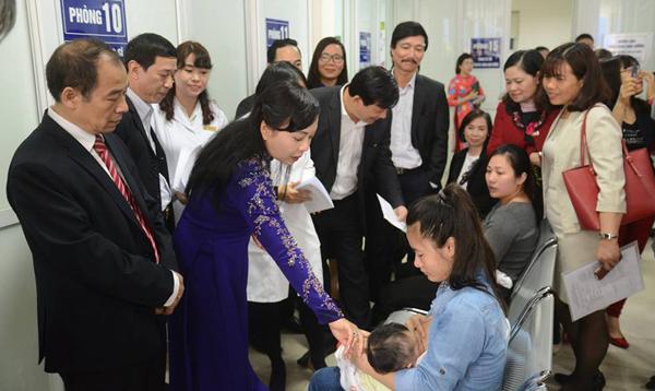 Bộ trưởng Y tế: Dự phòng tuyến dưới sáp nhập, TƯ vẫn đứng yên