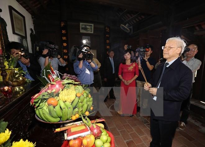 Tổng bí thư dâng hương tưởng niệm Tổng bí thư Trường Chinh