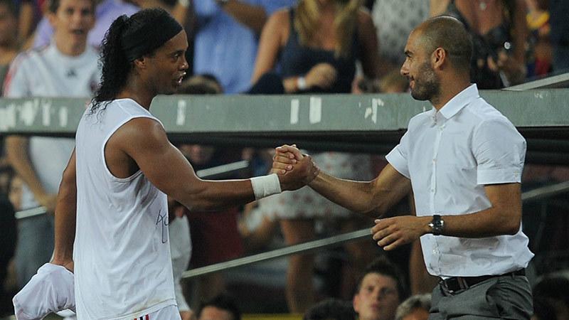 Ronaldinho cũng từng bị Pep ruồng bỏ