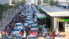Thu phí, miễn phí: 2 từ khóa xóa ngay tắc đường