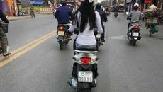 Cô gái Hải Phòng đi xe máy biển 999.99 vạn người muốn biết mặt