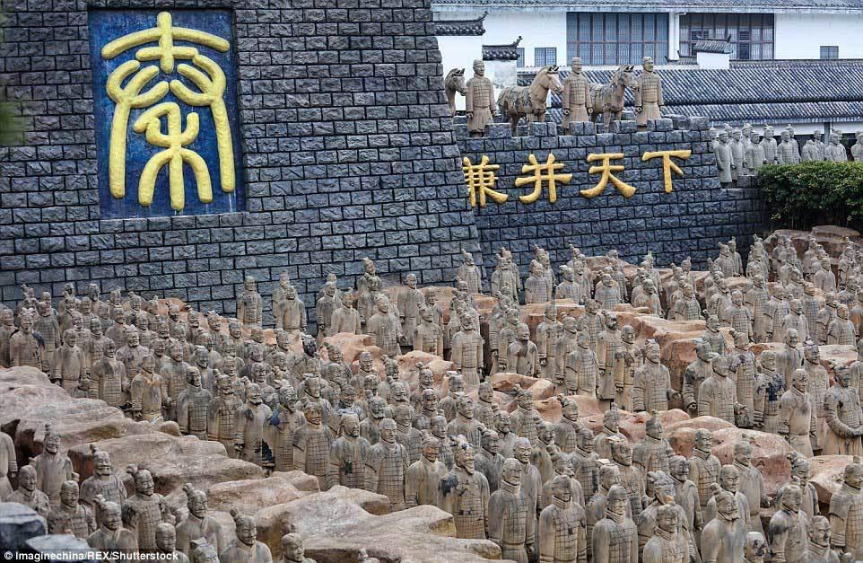 Đội quân đất nung của Tần Thủy Hoàng bị nhái
