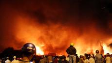 Nâng cửa cứu bảo vệ xưởng in thoát khỏi biển lửa ở Sài Gòn