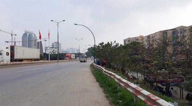 Thủ đoạn của 5 kẻ trấn lột trên cầu Thăng Long