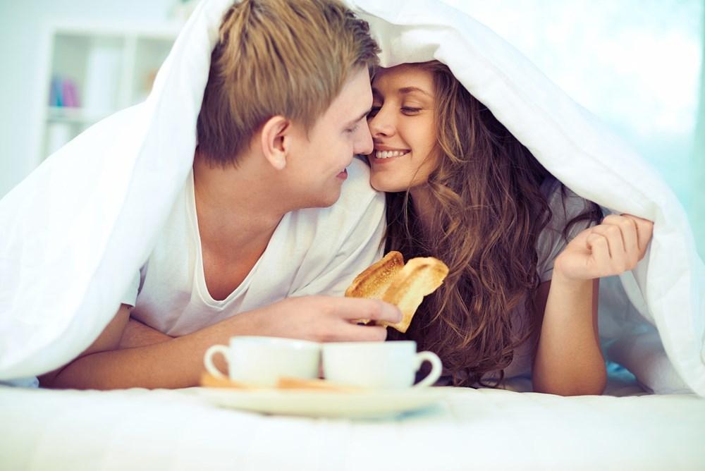 Những lợi ích bất ngờ của 'chuyện yêu' vào buổi sáng