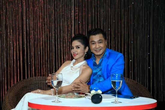 MC Thanh Bạch trổ tài hát rap, quậy tung sân khấu