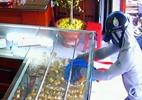 Hai học sinh tóm gọn nữ quái trộm vàng tại tiệm kim hoàn