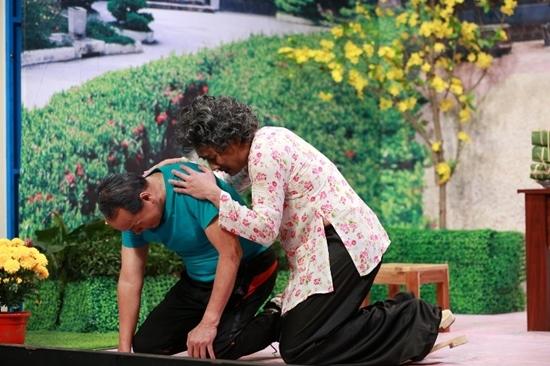 Hoài Linh bấm chuông, không cho Trường Giang hôn Diễm My 9x