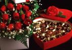 Vì sao ngày Valentine thường tặng hoa hồng và socola?