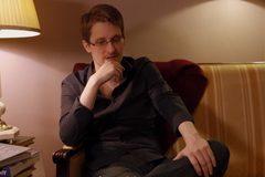 Nga định dẫn độ Snowden về Mỹ làm quà cho Trump
