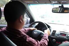 Cấm taxi Uber hoạt động, lái xe lo vỡ nợ trăm triệu