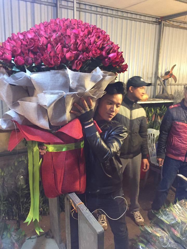 quà Valentine, facebook, khoe quà, lễ tình nhân