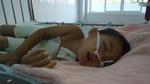 Ngã vào nồi nước luộc thịt bé trai 4 tuổi nguy kịch tính mạng