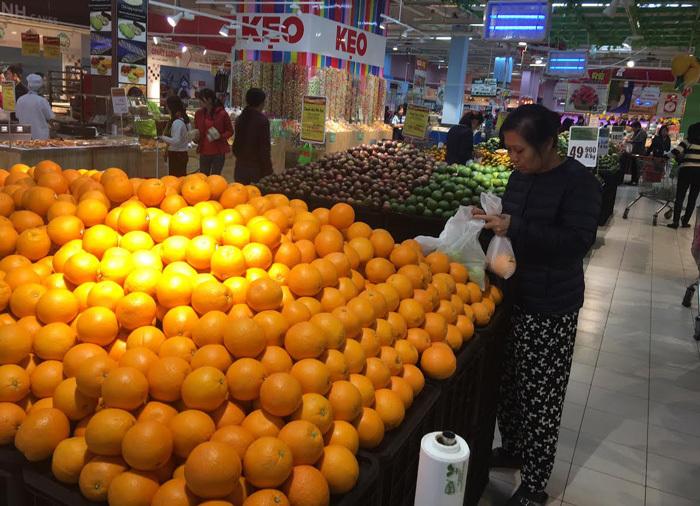 hoa quả ngoại,hoa quả nhập khẩu,sính ngoại,dân việt sính ngoại,hoa quả loạn giá,hoa quả ngoại loạn giá,hoa quả ngoại rẻ như rau,táo pháp rẻ như rau