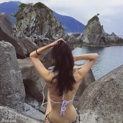 Ái nữ của đại gia Đài Loan được yêu thích nhờ thân hình bốc lửa