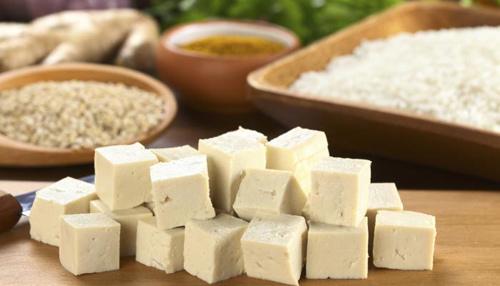 Giảm cân sau Tết: Có nên dùng đậu phụ thay thịt?