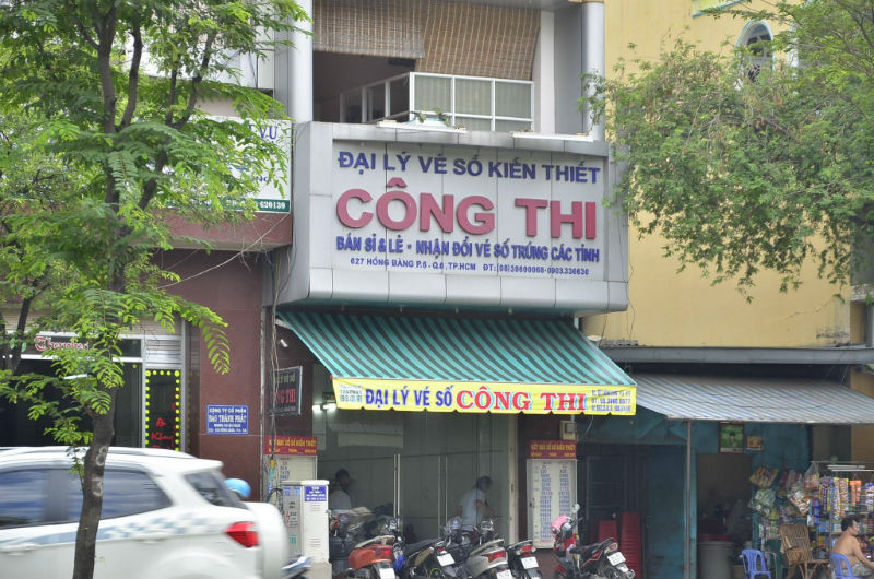 Dùng súng cướp đại lý vé số giữa ban ngày ở Sài Gòn