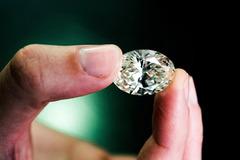Bí mật bên trong xưởng chế tác kim cương