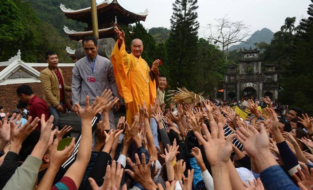 Lễ hội đầu năm, Đi lễ đầu năm, chùa Hương, Hội Gióng, Dâng sao giải hạn chùa Phúc Khánh, Khai ấn đền Trần, Trùng tu di tích