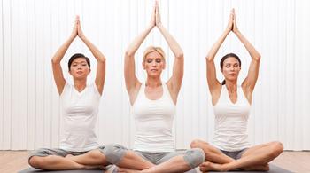 Thoát bệnh dạ dày, tim mạch nhờ yoga năng lượng
