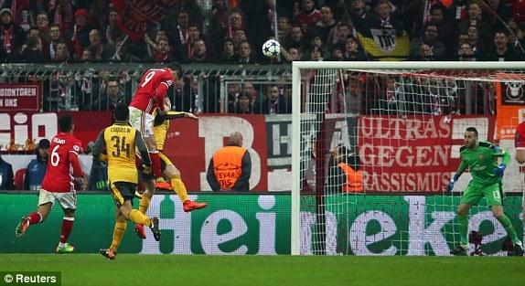 Bayern 2-1 Arsenal Lewandowski goal 53