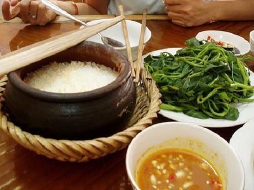 Hoài niệm hình ảnh khó quên về bếp trong nhà Việt xưa - ảnh 7