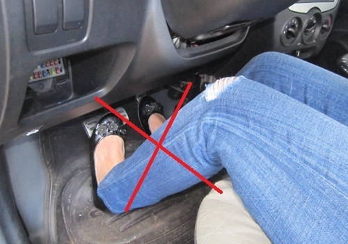 Sử dụng chân ga xe số tự động: Dễ và khó?