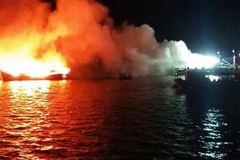 3 tàu cá trị giá hàng chục tỷ đột nhiên cháy ngùn ngụt