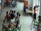 Sốc: Hiệu trưởng bế trẻ dốc đầu lên cửa sổ dọa ném tại TP.HCM, phụ huynh phát hoảng