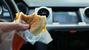 Rước độc vào thân từ giấy gói đồ ăn nhanh
