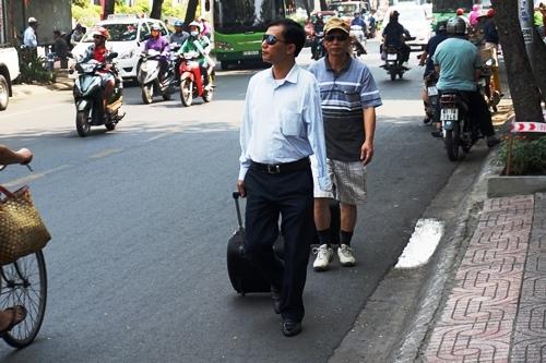 Chính quyền quyết 'đòi' vỉa hè phố Tây ở Sài Gòn