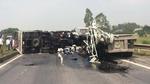 Xe container đâm xe chở dầu, cao tốc Hà Nội-Thái Nguyên bị bịt kín